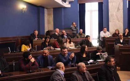 Gürcüstan parlamentində burka və niqabın qadağan olunmasına Mirtağı Əsədovdan kəskin ETİRAZ