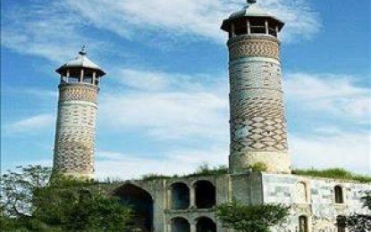 تلنگری بر غیرت دینی دست اندرکاران روزنامه «شرق»؛ تبدیل بزرگترین مسجد شیعیان جمهوری آذربایجان و قفقاز به طویله گاو و خوک!