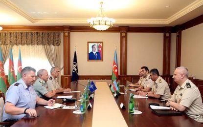 دیدار هیات اعزامی ناتو با وزیر دفاع جمهوری آذربایجان در باکو