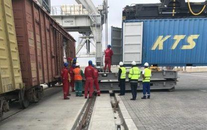نخستین محموله از طریق خط ریلی باکو–تفلیس–قارص به ترکیه رسید