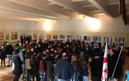 افتتاح نمایشگاه نقاشی دانشآموزان مدارس گرجی و ایرانی در تفلیس