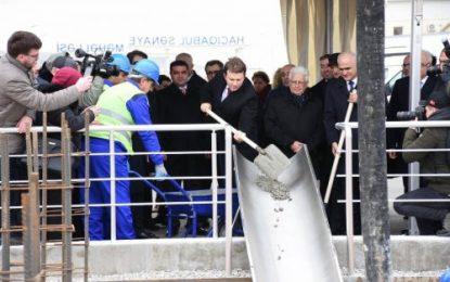 کلنگ زنی کارخانه کامیون سازی جمهوری آذربایجان با مشارکت روسیه در باکو