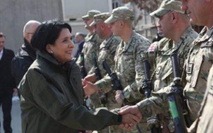 بازدید رییس جمهوری گرجستان از نیروهای حافظ صلح این کشور در افغانستان