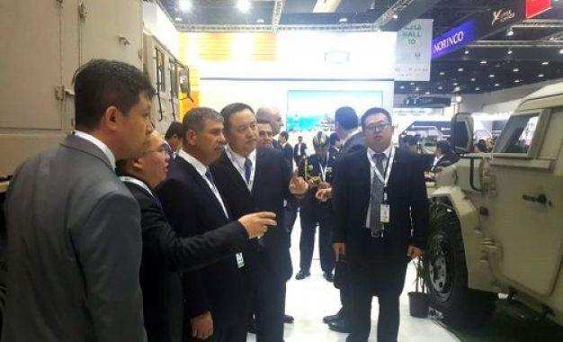 سفر وزیر دفاع جمهوری آذربایجان به امارات عربی متحده