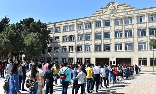 جلوگیری از ورورد دانشجویان دارای محاسن به دانشگاه دولتی سومقاییت جمهوری آذربایجان