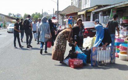 افزایش تردد اتباع آذری در مرز آستارا و اشتیاق برای خرید اجناس ایرانی