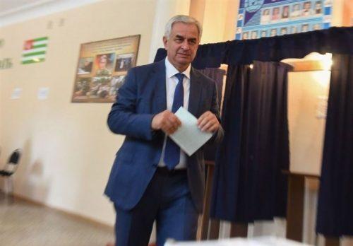 دور دوم انتخابات ریاست جمهوری آبخازیا و پیروزی رئیس جمهور فعلی بر رقیب خود