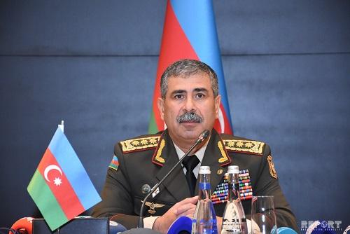 باکو: ارمنستان عامدانه روند مذاکرات را کند می کند