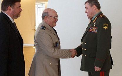 دیدار رییس ستاد ارتش روسیه با مقام بلندپایه ناتو در باکو