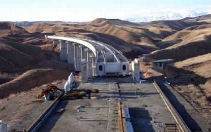 استاندار اردبیل: اتصال خط ریلی پارس آباد به جمهوری آذربایجان صادرات استان را تسهیل میکند