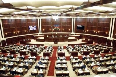 انحلال مجلس ملی جمهوری آذربایجان