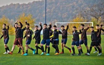 برگزاری اردوی تیم فوتبال «ایرانیان اردبیل» در قبله جمهوری آذربایجان