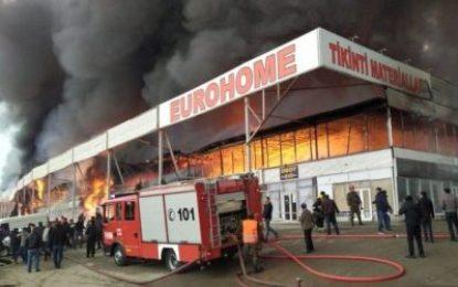 آتش سوزی گسترده در باکو / تصاویر