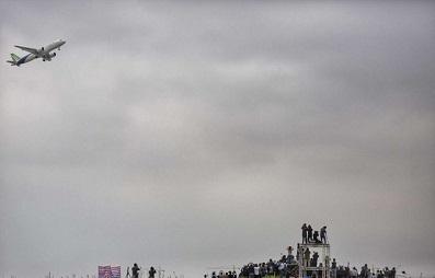 فرود اضطراری یک هواپیمای مسافربری در باکو