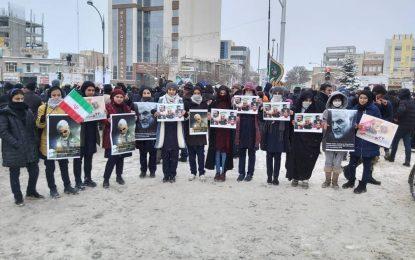 تقدیر و تشکر مردم حسینی اردبیل از مردم جمهوری آذربایجان در راهپیمایی ۲۲ بهمن / تصاویر
