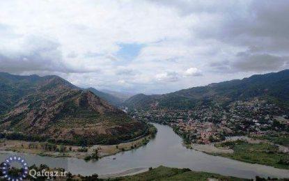 مشکل تهیه آب آشامیدنی برای اهالی ناحیه نفتچاله جمهوری آذربایجان