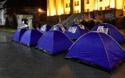 مخالفان رییس جمهوری جدید گرجستان در تفلیس تظاهرات کردند