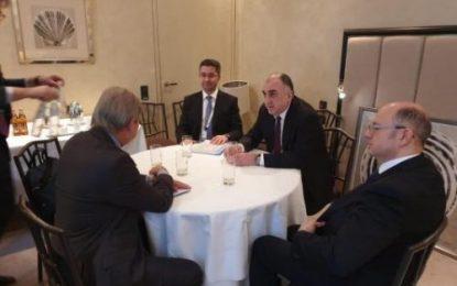 دیدار وزیر خارجه جمهوری آذربایجان با عضو کمیساریای اتحادیه اروپا در مونیخ