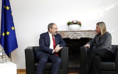 دیدار نخست وزیر ارمنستان با مسئول سیاست خارجی اتحادیه اروپا