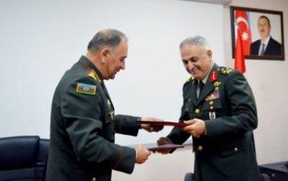 امضا تفاهم نامه همکاری های نظامی میان جمهوری آذربایجان و ترکیه