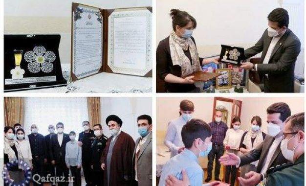 اعطای جایزه جهانی ایثار شهید سلیمانی به خانواده ژنرال پولاد هاشیم اف / عکس