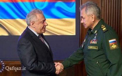 دیدار و رایزنی وزرای دفاع روسیه و ارمنستان در مسکو