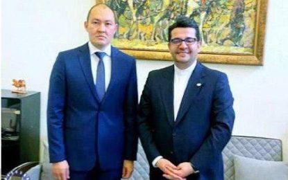 دیدار و گفتگوی سفیر ایران در باکو با دبیرکل تراسیکا